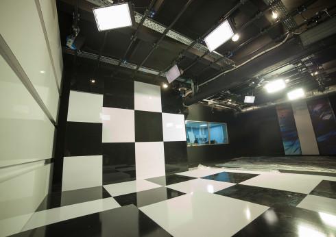 """Нова київська студія телеканалу """"ZIK"""""""