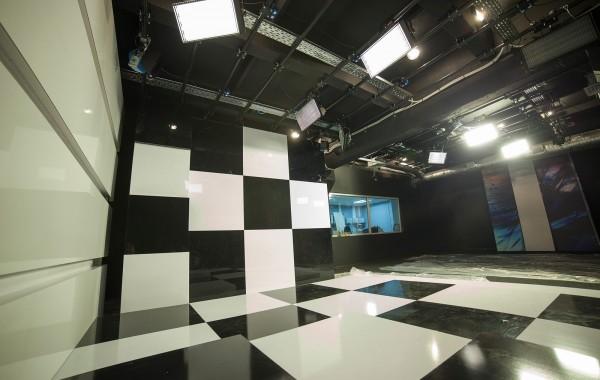 """Новая киевская студия телеканала """"ZIK"""""""